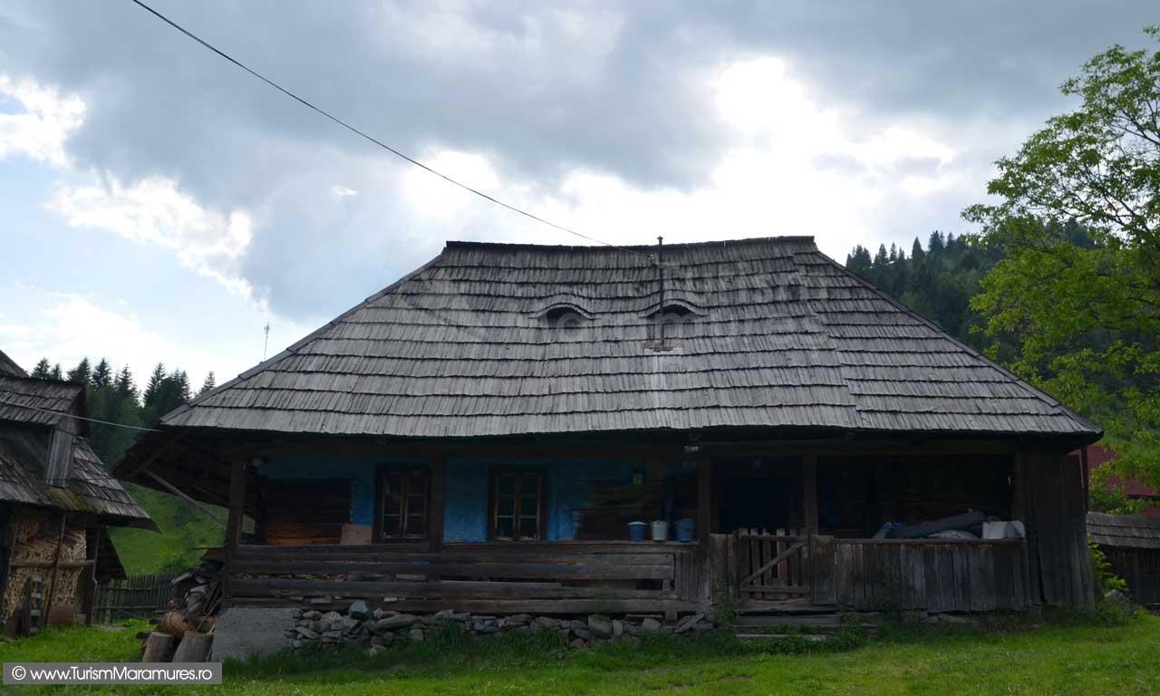 0393_Casa-traditionala-Baia-Borsa
