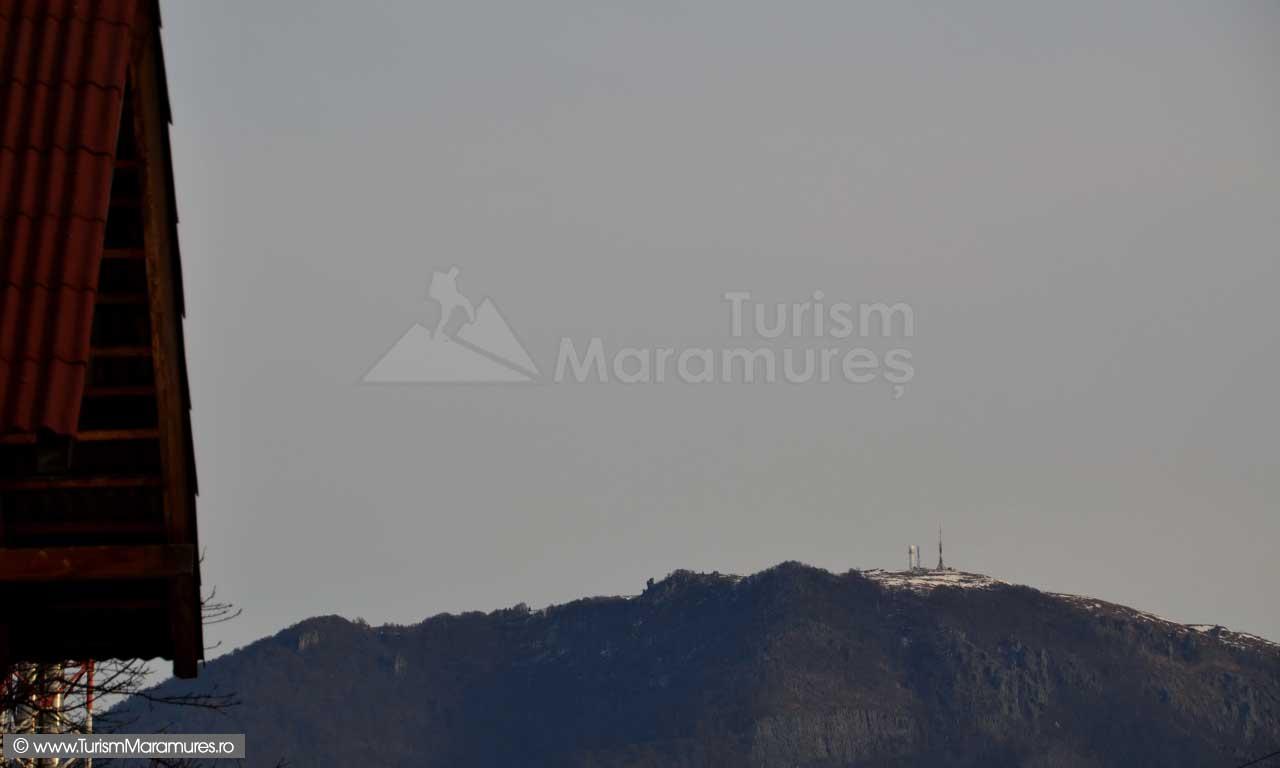 Varful-Ignis-vazut-din-Ferneziu-Maramures