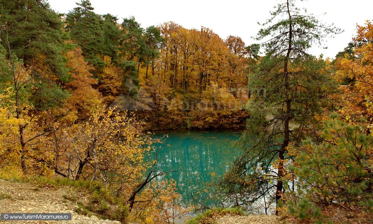 11-Lacul-Albastru-toamna