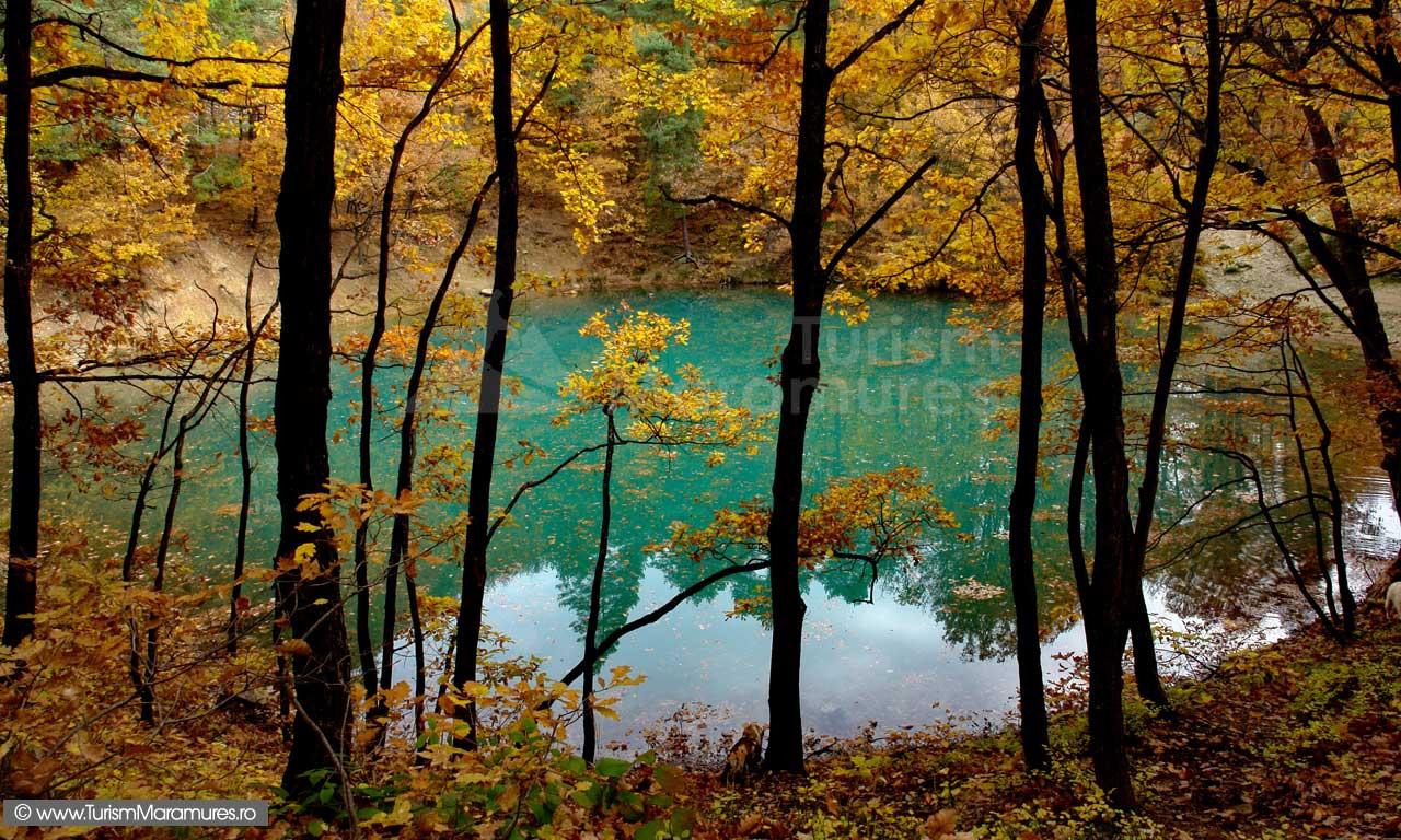 12-Lacul-Albastru-toamna