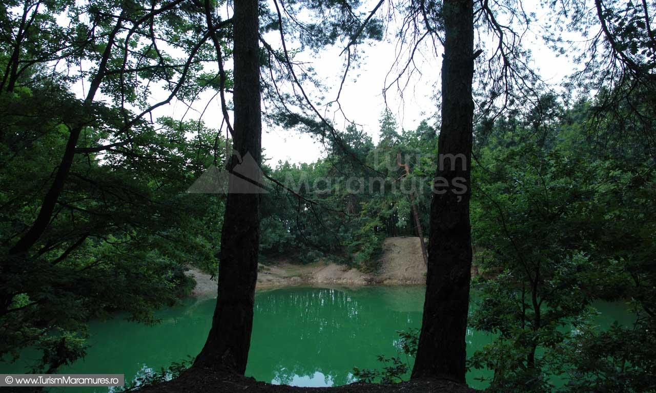 Lacul-Albastru-Maramures_03