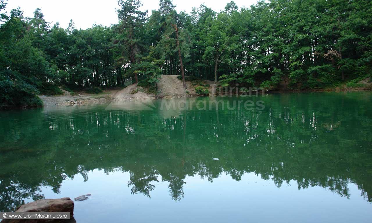 Lacul-Albastru-Maramures_04