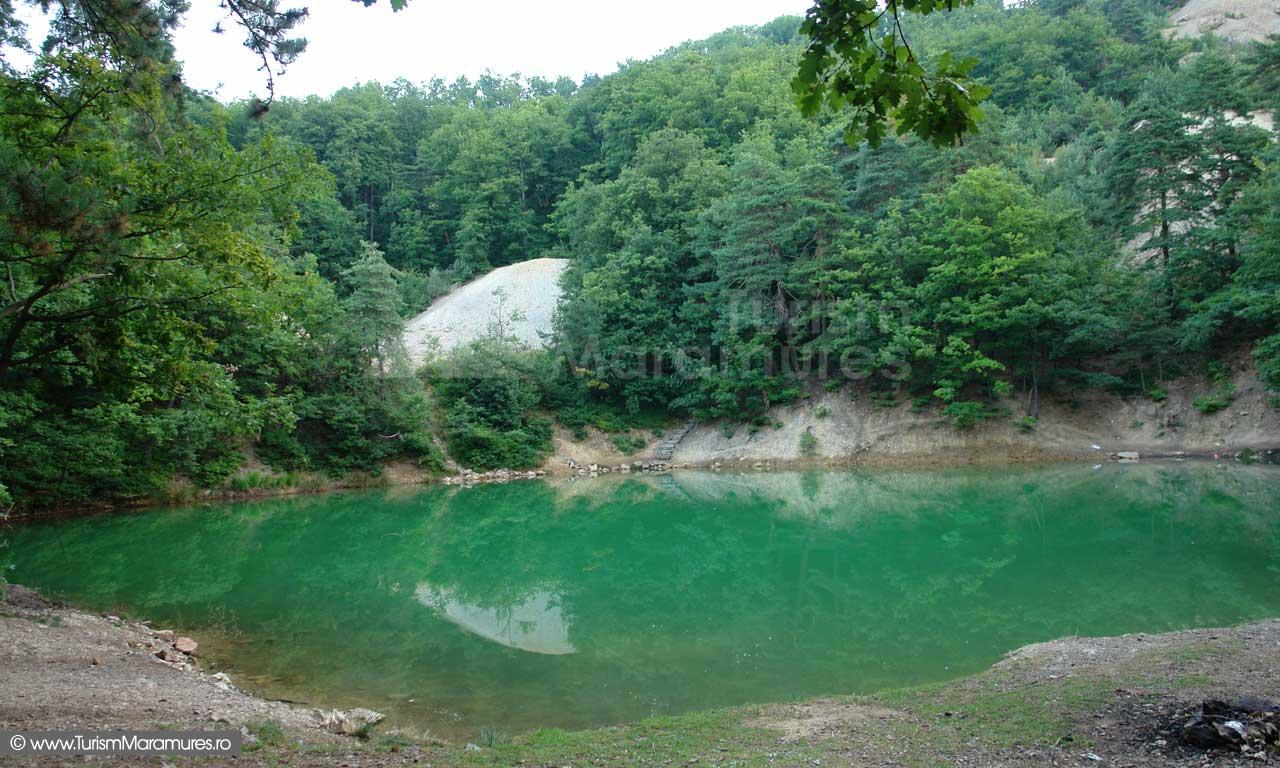 Lacul-Albastru-Maramures_06