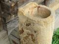 04-Soclu-din-gresie-Biserica-Poienile-Izei