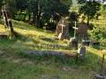 09-cimitir-Biserica-Surdesti-monument-UNESCO-morminte-sarcofag