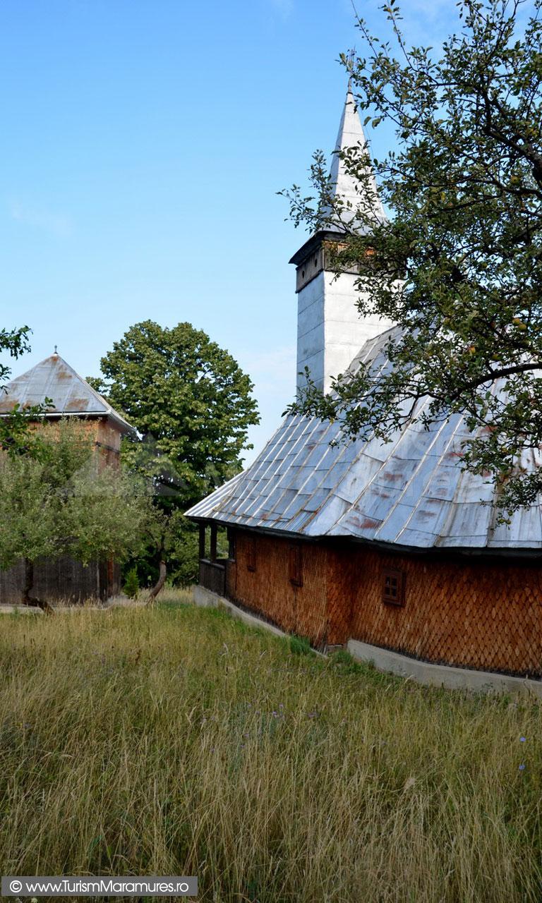 12_Biserica-monument-istoric-Remecioara-Maramures