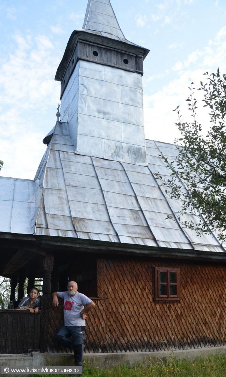 13_Biserica-monument-istoric-Remecioara-Maramures