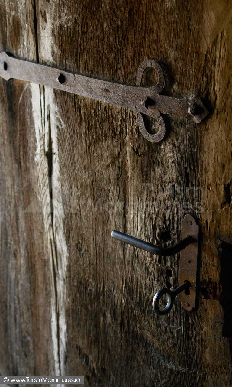25_Biserica-de-lemn-Manastirea-Giulesti-Maramures