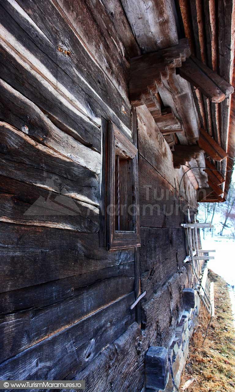 7_Biserica-de-lemn-Manastirea-Giulesti-Maramures