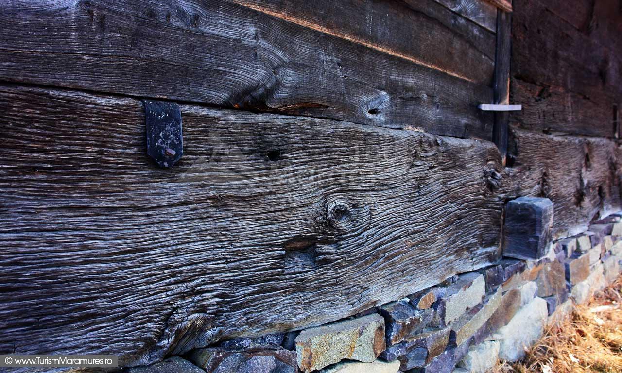 9_Biserica-de-lemn-Manastirea-Giulesti-Maramures
