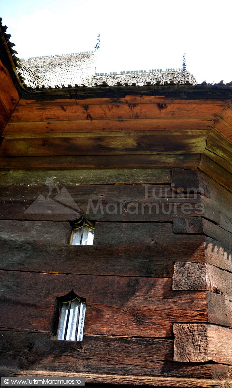 17_Biserica-UNESCO-Plopis_detaliu