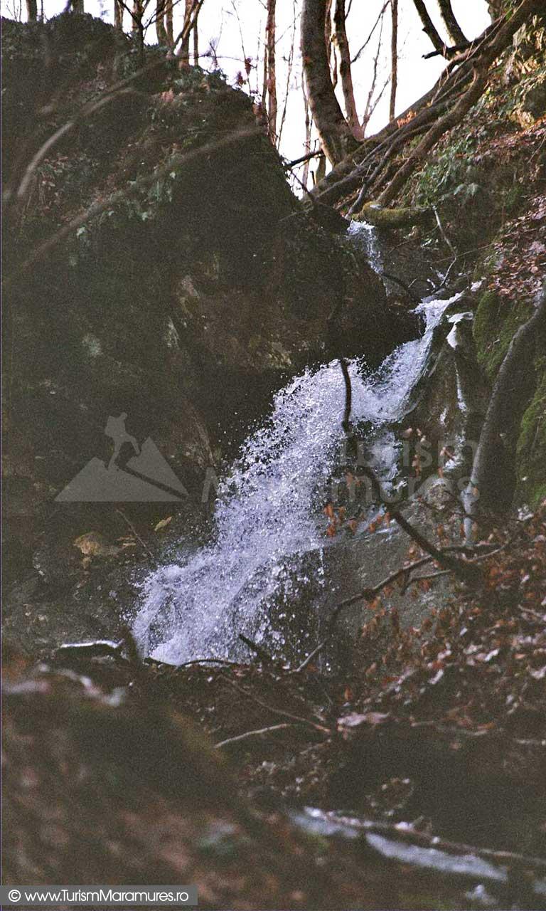 Cascada-Babei-Maramures
