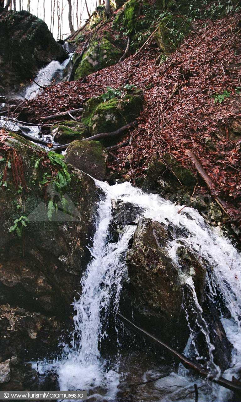 Cascada-Babei-Maramures_02