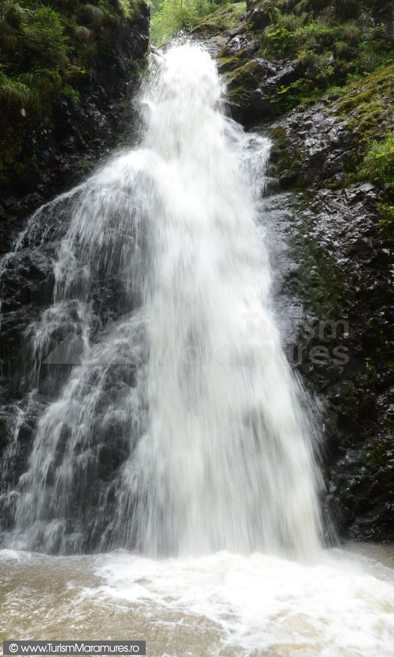 Cascada-Custuri-Maramures