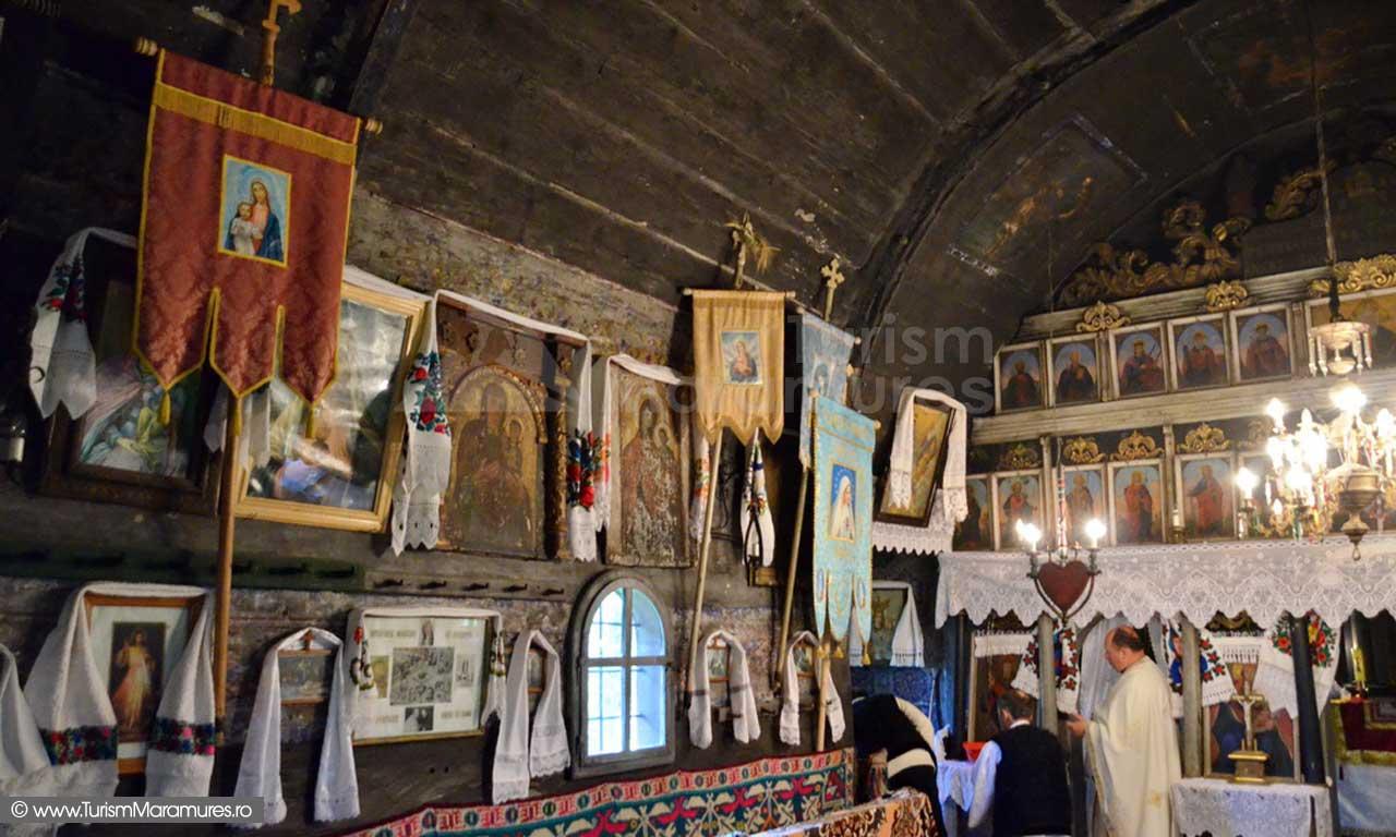 16_Biserica-Sfintii-Arhangheli-Mihail-si-Gavril-Breb-Maramures