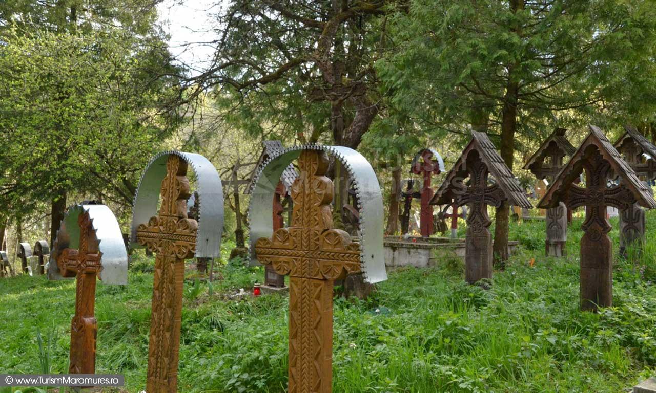 20_Biserica-Sfintii-Arhangheli-Mihail-si-Gavril-Breb-Maramures