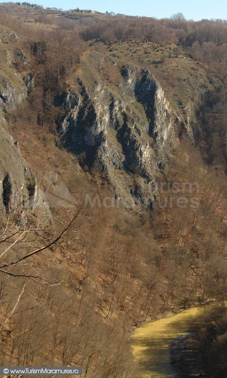 13_Piatra-Cerbului