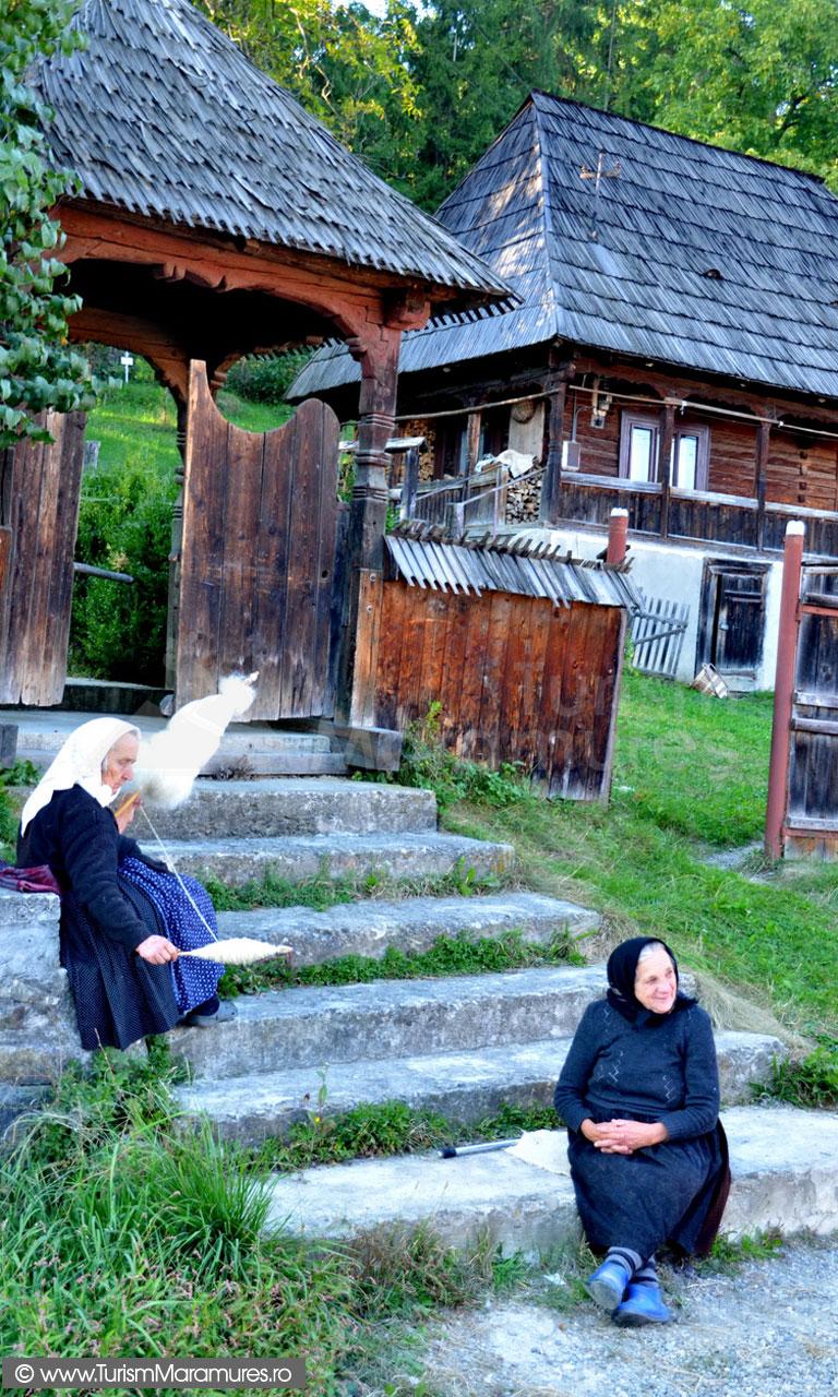 107_Surori-septuagenare-din-Calinesti-Maramures