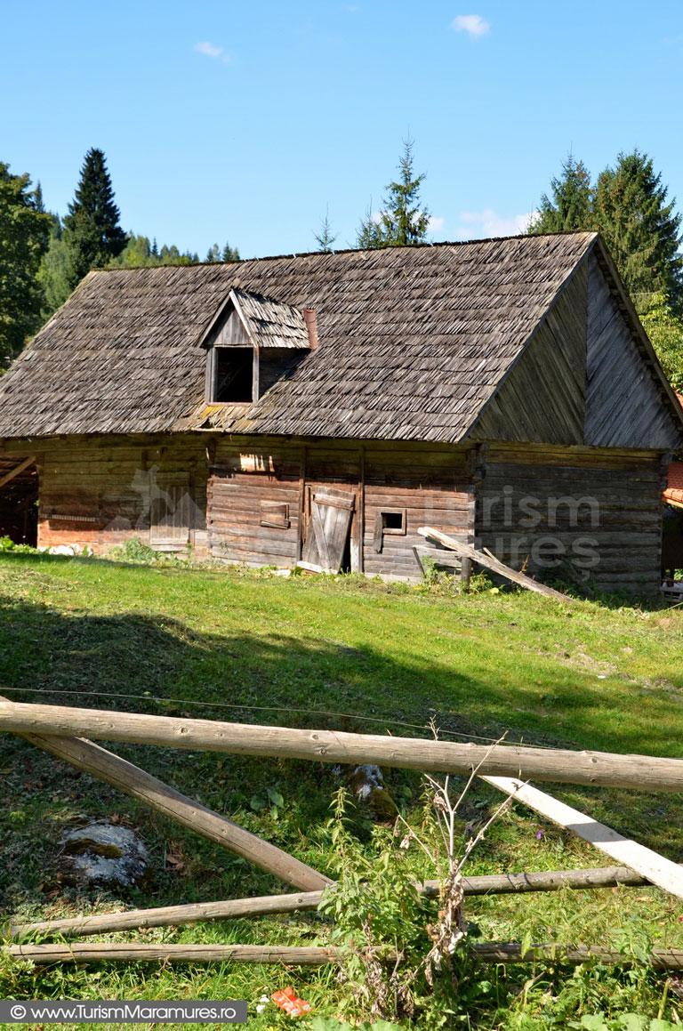 91_Borsa-grajd-de-lemn