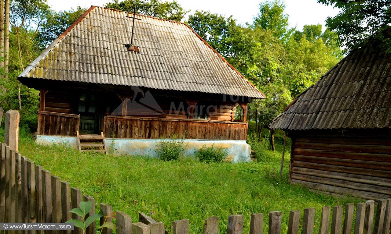 35_Breb-Susani-gospodarie-traditionala-de-vanzare