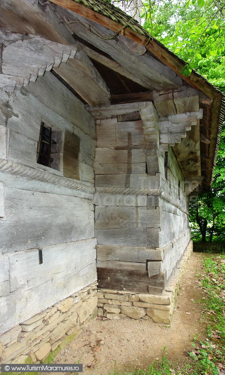 20_Biserica-din-Sacalaseni-maramures