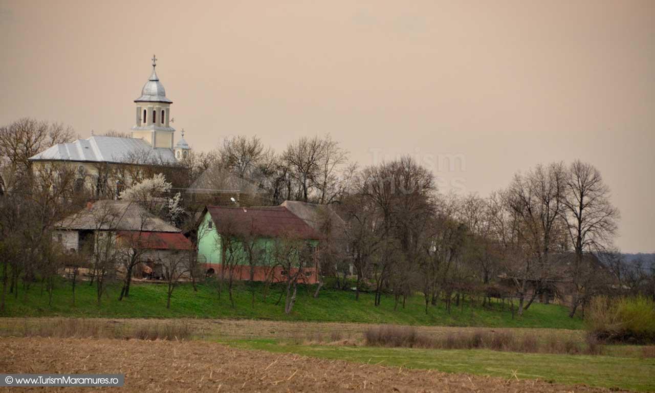 77_Rodina-Maramures_biserica-veche