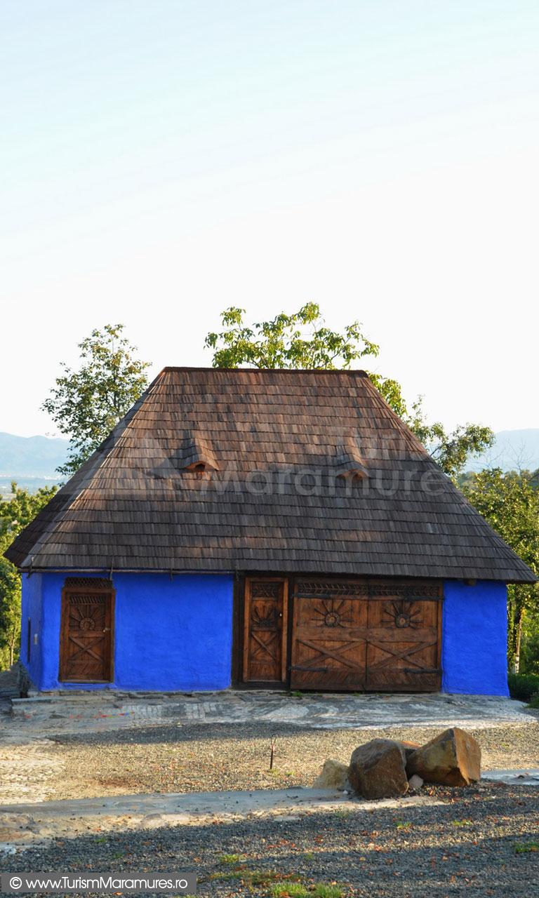 28_Grajd-cu-sura-restaurata-traditional-Rosia