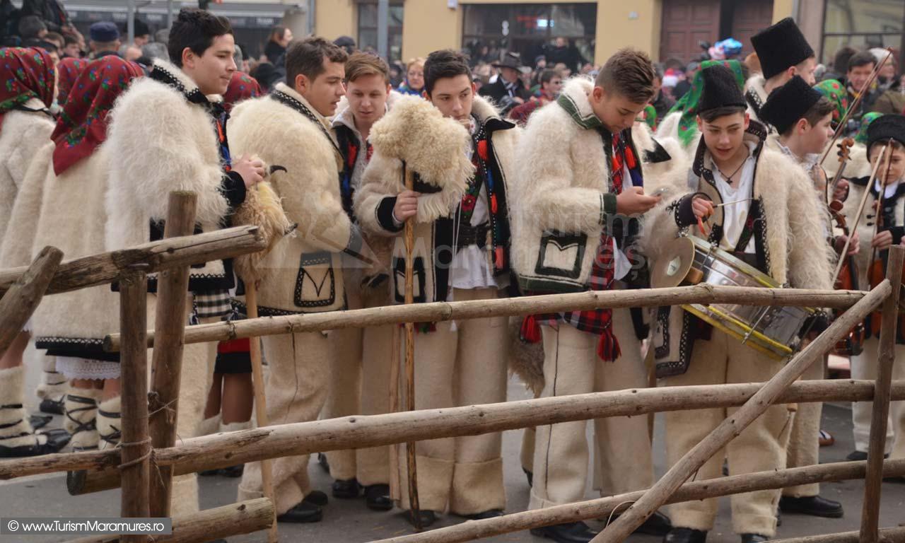 126-Festival-Datini-Sighet-parada-colindatori