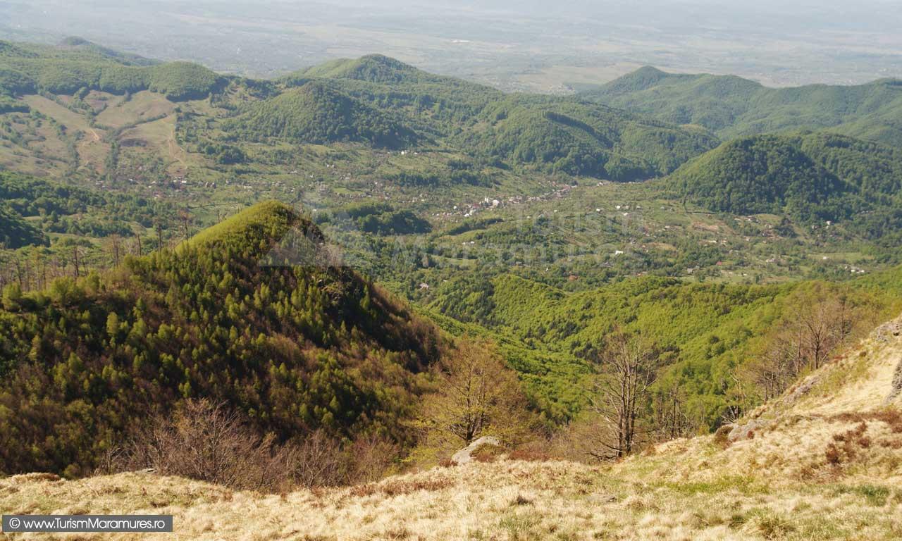 Panorama-de-pe-varful-Ignis