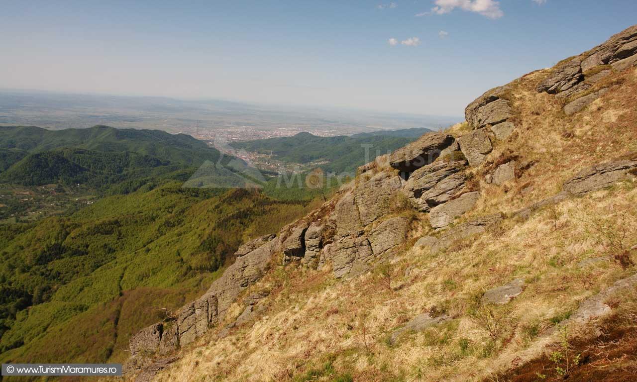 Panorama-de-pe-varful-Ignis_16