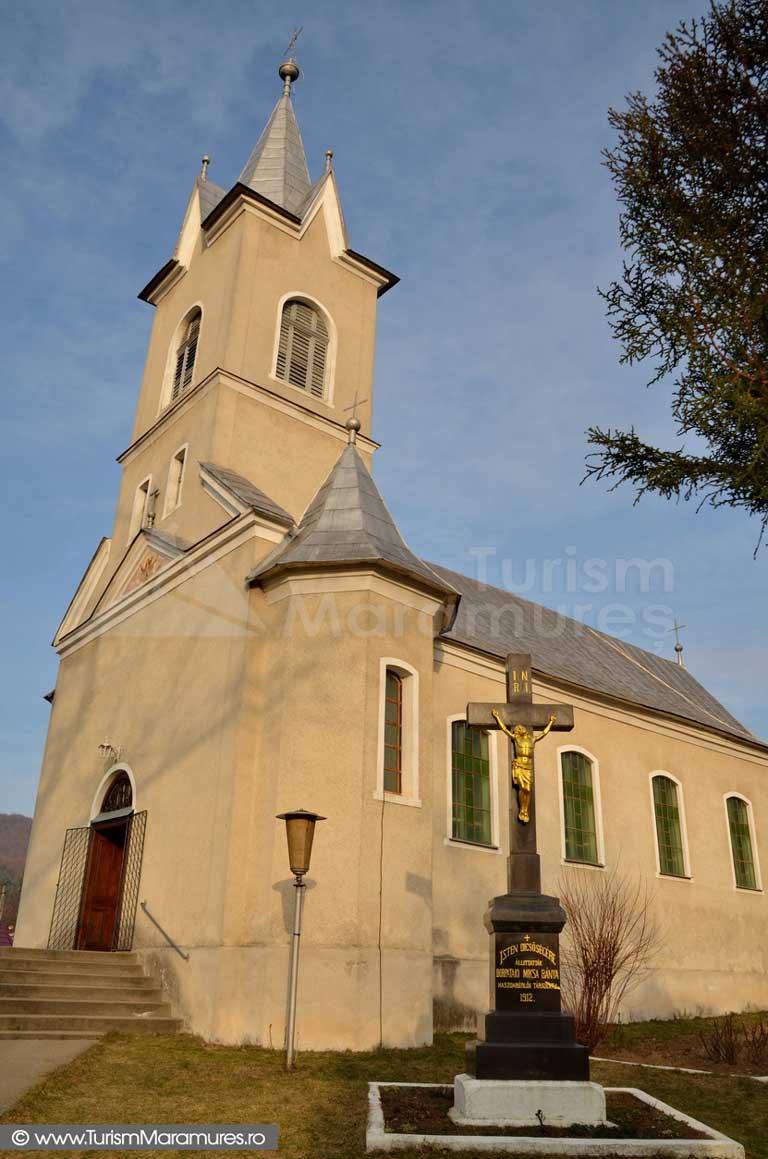 01_Biserica-Romano-Catolica-Baita