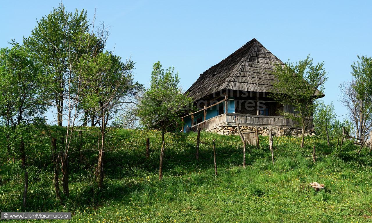 16_Casa-traditionala-din-Maramuresul-Istoric