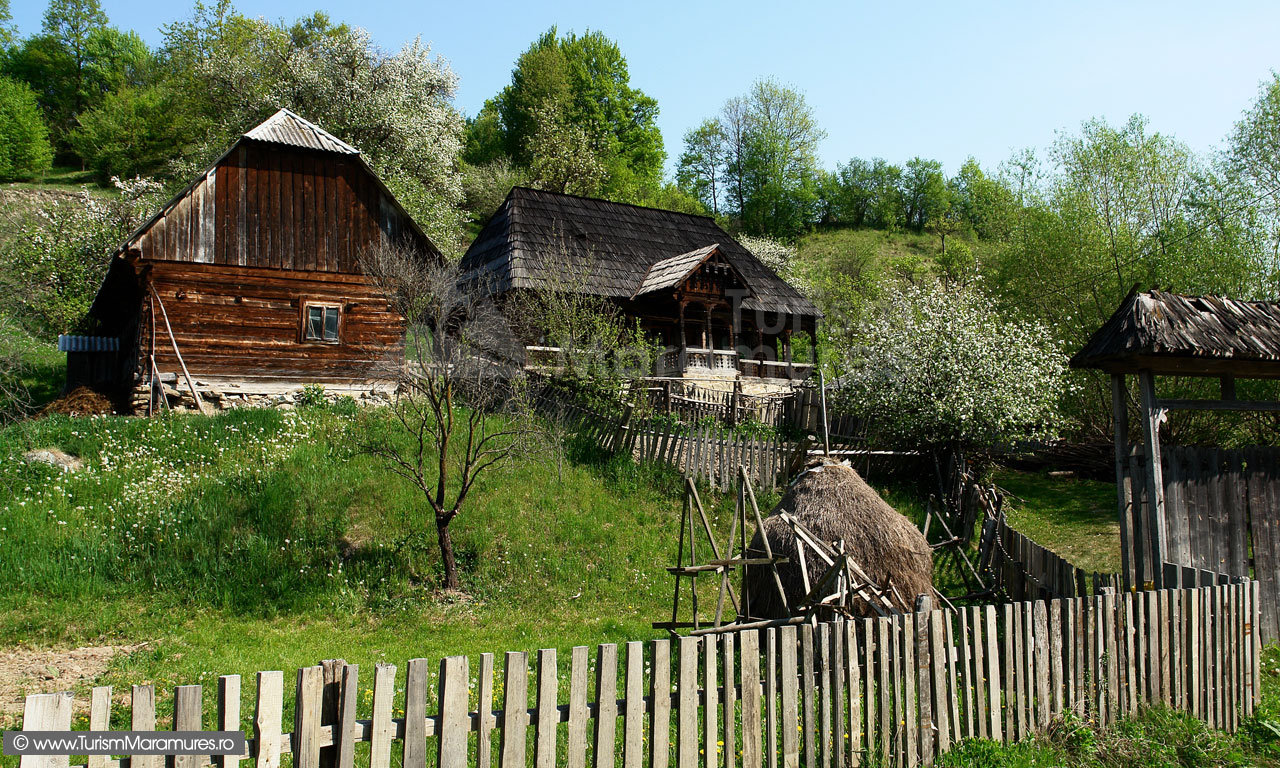24_Maramuresul-Istoric_Gospodarie-traditionala