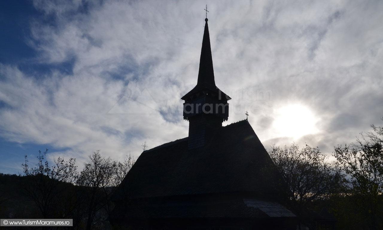 15_Biserica-monument-istoric-Sfantul-Nicolae-Budesti-Susani-Maramures