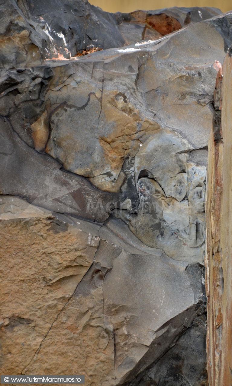 65_Tuf_Roca-vulcanica