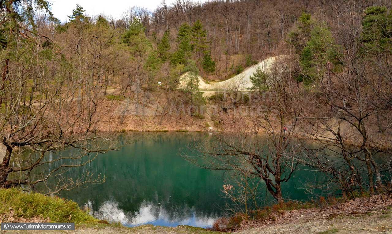 25-Lacul-Albastru-primavara