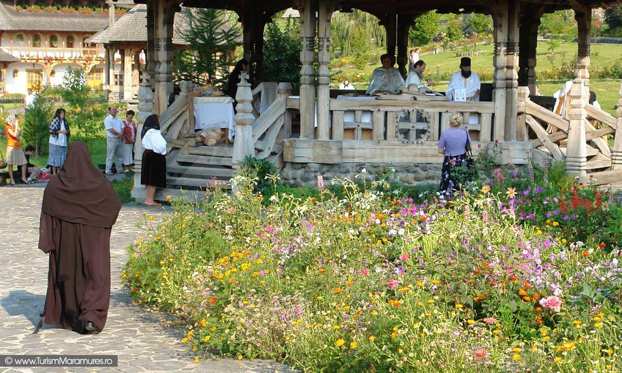 15_Slujba-Manastirea-Birsana