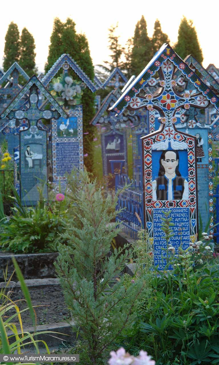 24_Cimitirul-Vesel-Sapanta