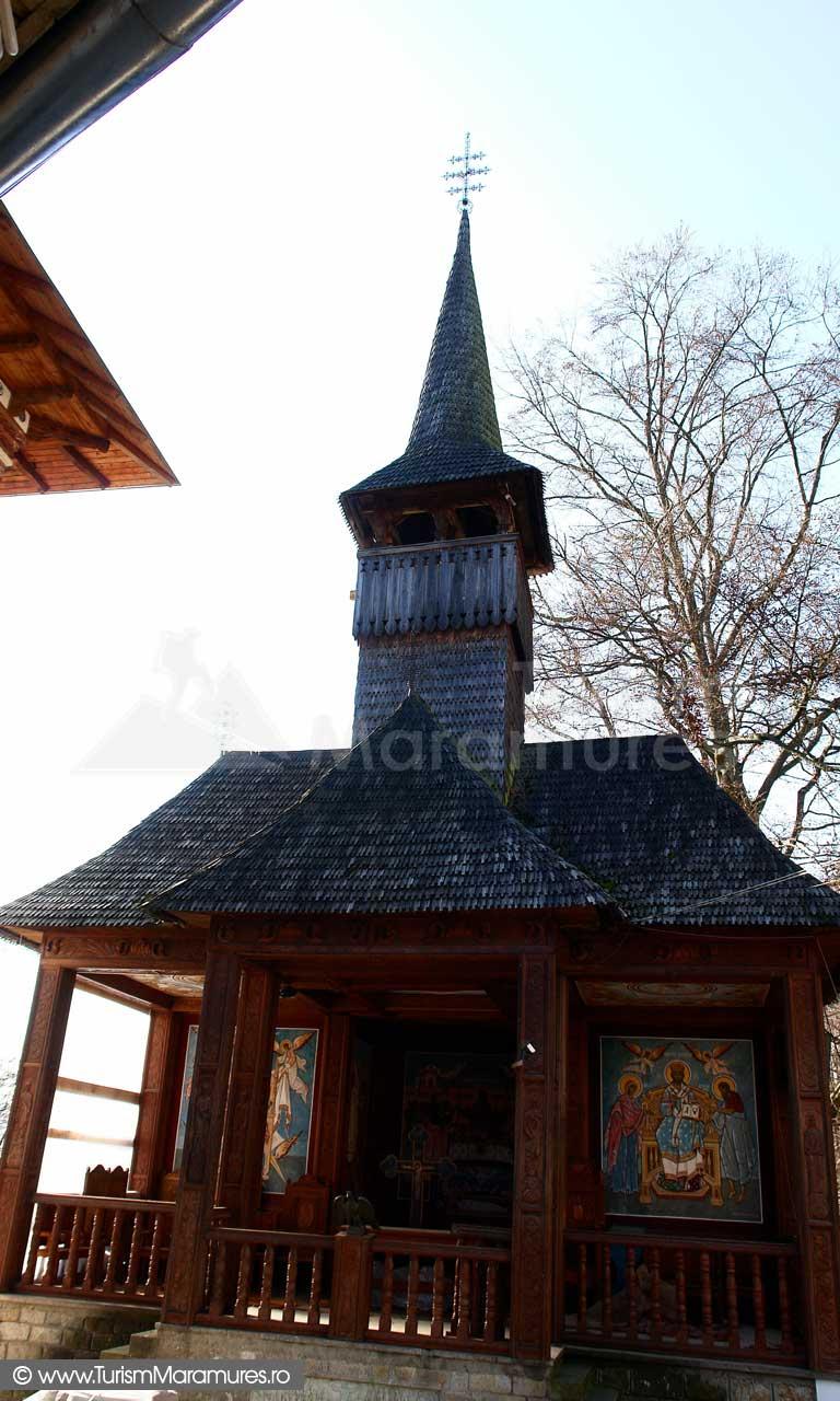 07_Paraclisul-de-vara-Manastirea-Rohia