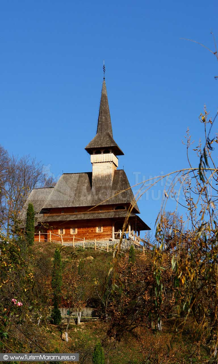 08_Manastirea-Rohia_Biserica-de-lemn