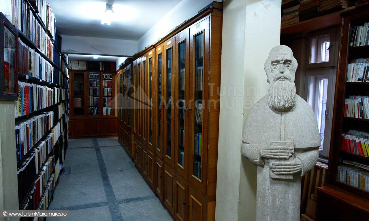 11_Biblioteca-Nicolae-Steinhardt