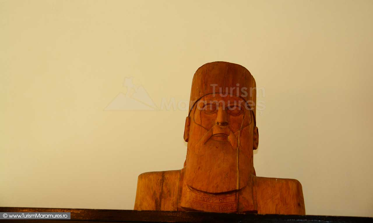 27_Nicolae-Steinhardt-bust