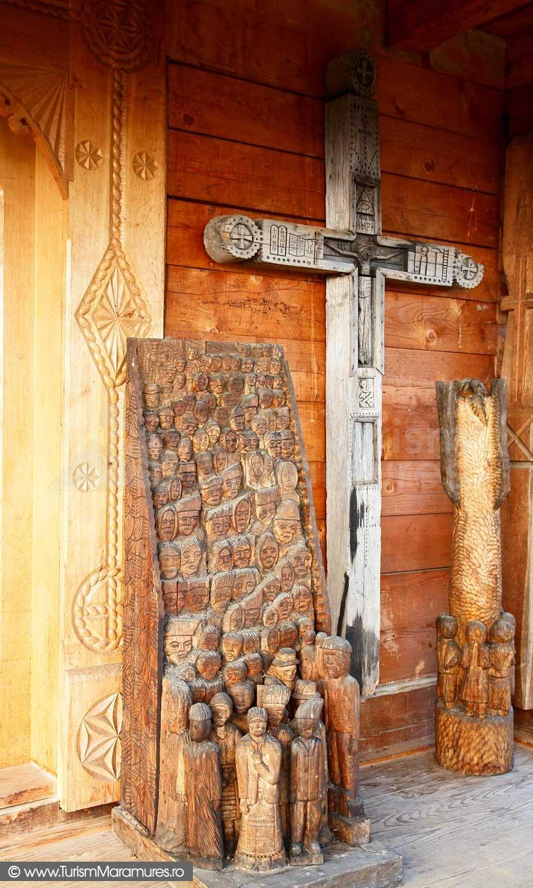 35_Biserica-lemn-Manastirea-Rohia