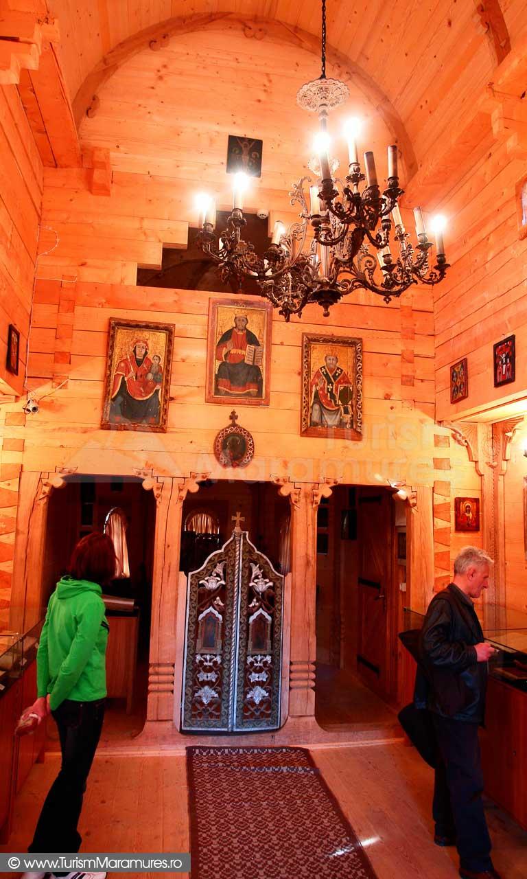 36_Biserica-lemn-Manastirea-Rohia