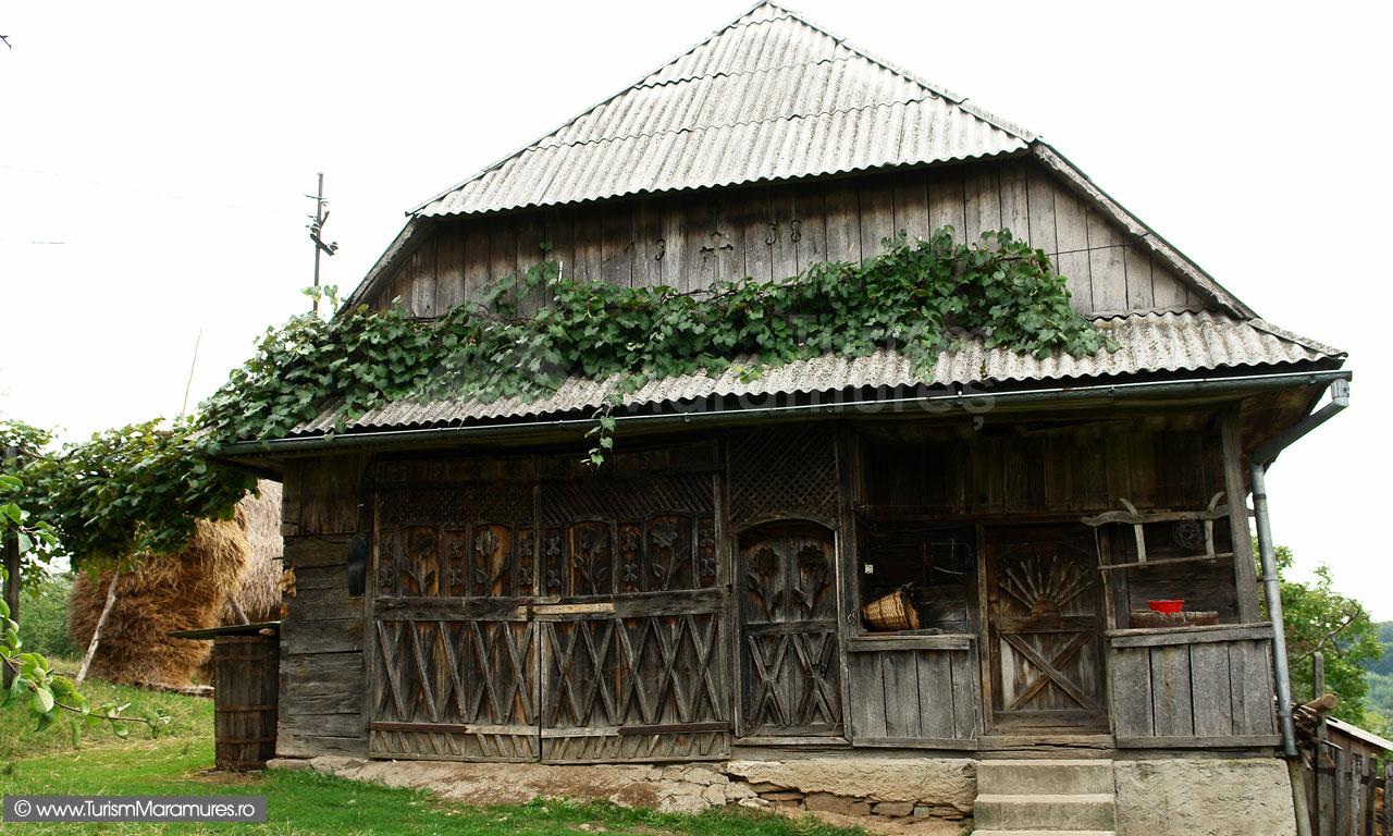 13_Sura-si-grajd-din-Dealul-Corbului-Maramures