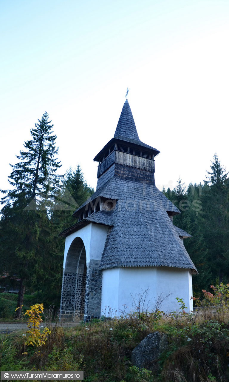 05_Manastirea-Rosia-poarta-clopotnita