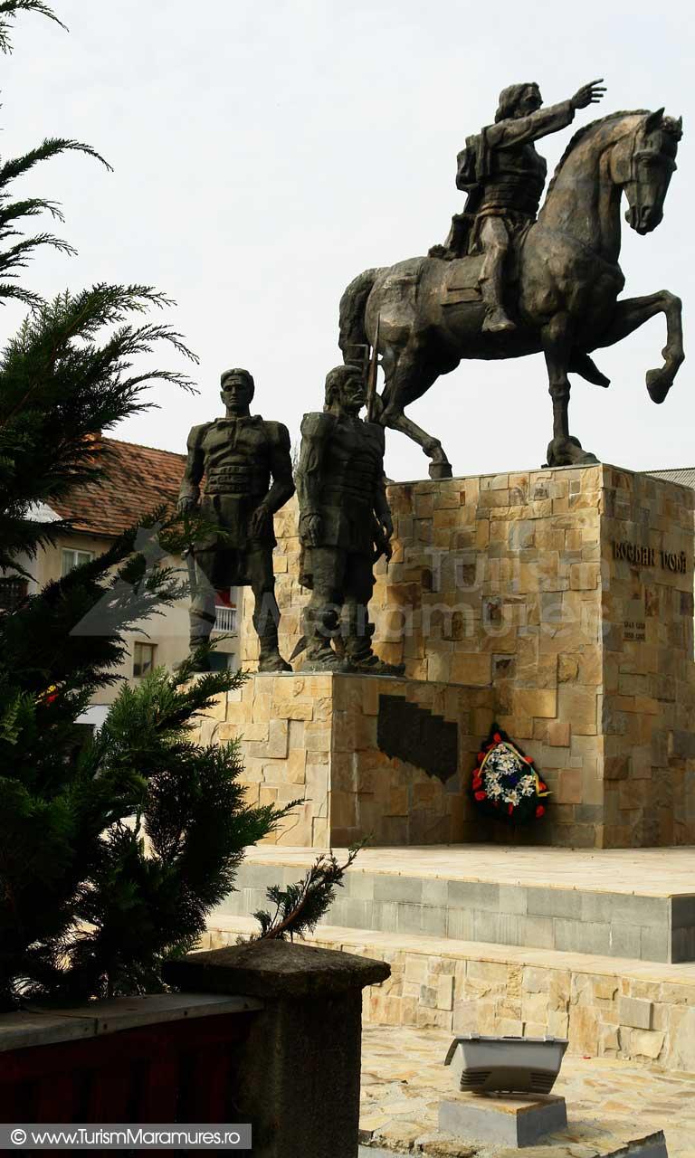 46_Statuia-lui-Bogdan-Voda