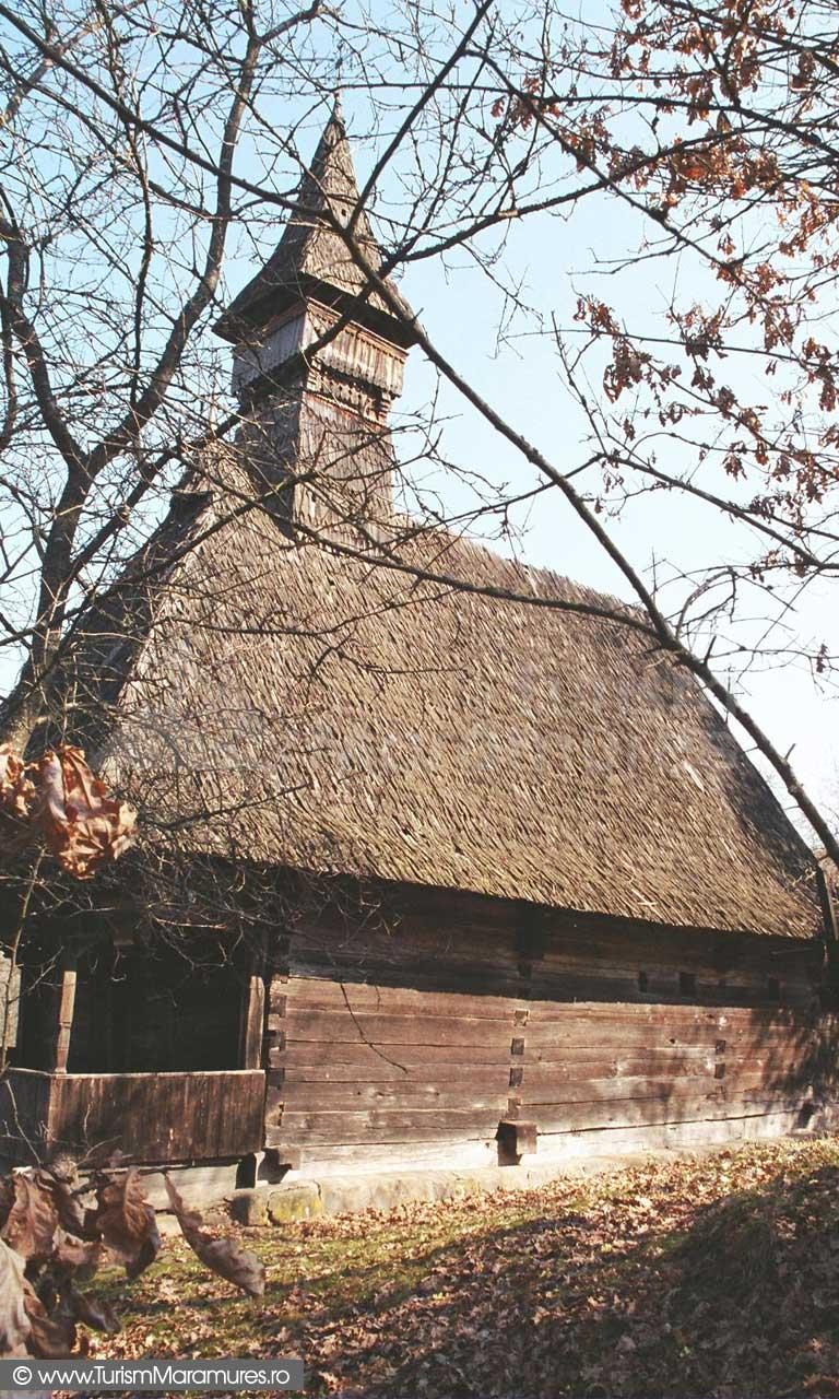 Biserica-Valea-Stejarului-Maramures_01