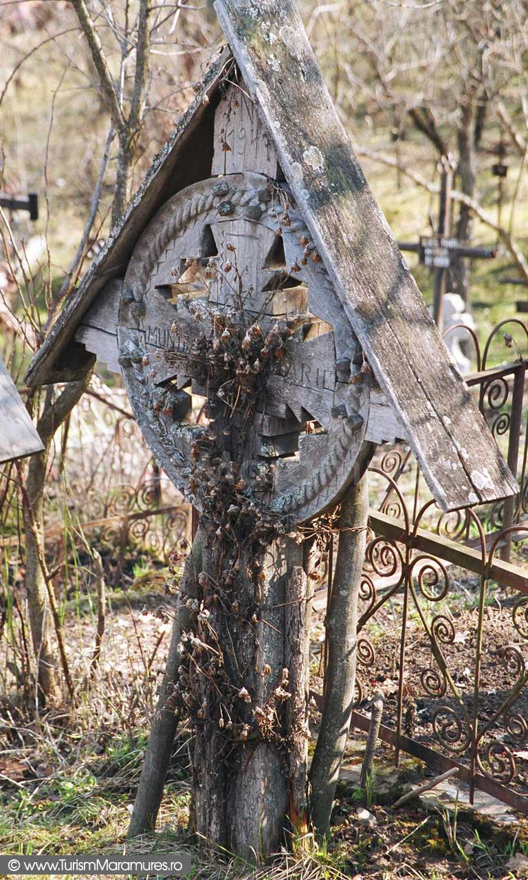 Cruce-lemn-Maramures