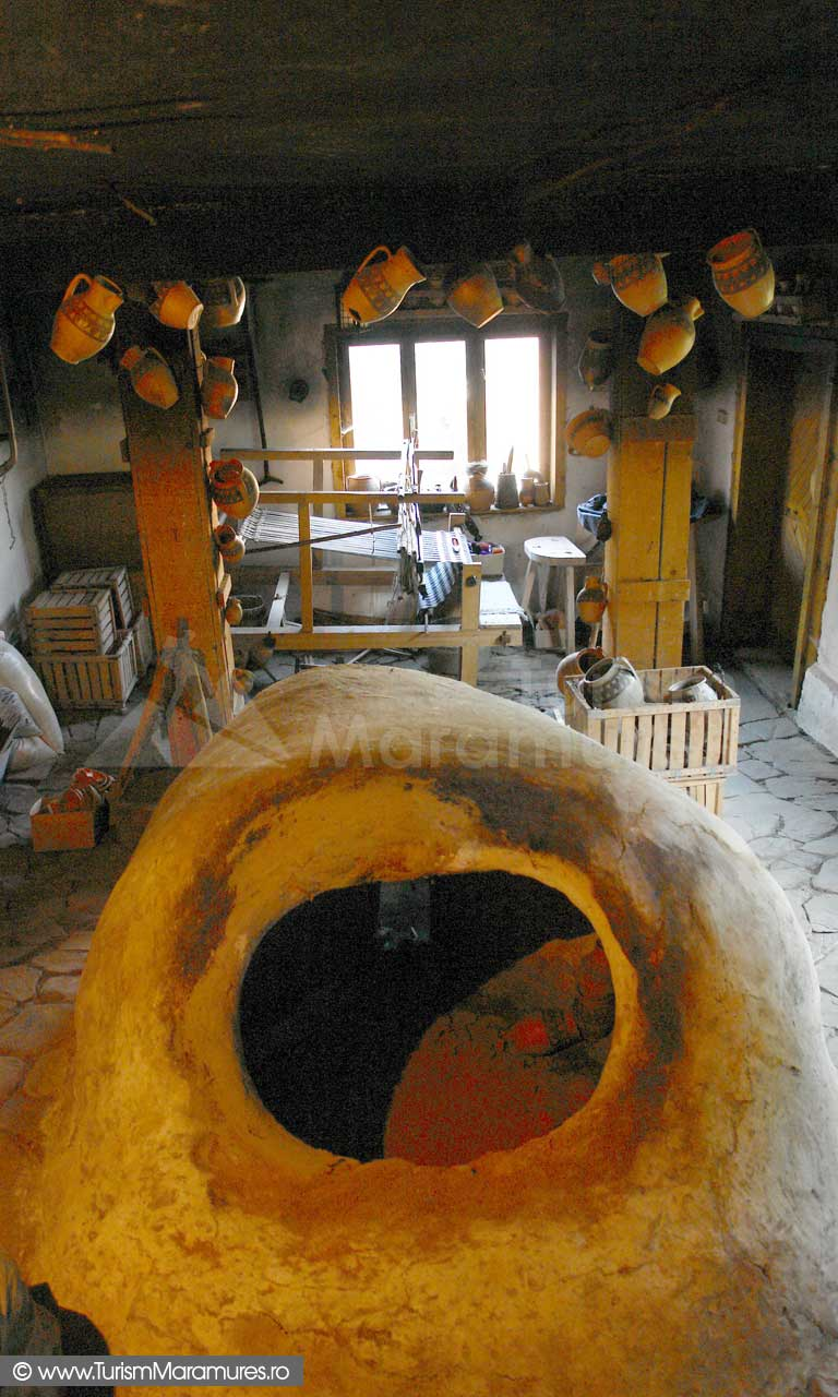 Cuptorul-de-ars-vase-ceramice